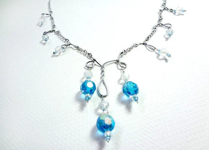 Sparkling Necklace in Blue and Silver Toned Chain Wire and Glass Beads - Glamour365