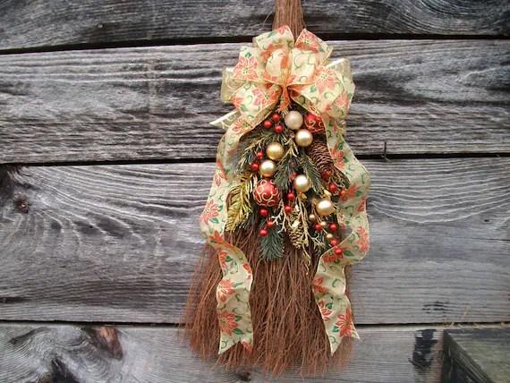 Cinnamon Scented Christmas Broom Wall Hanging