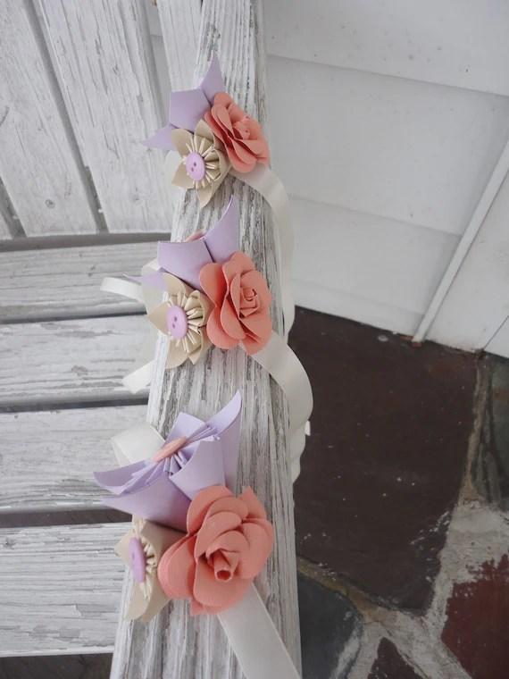 Décoration des bancs Kusudama flowers