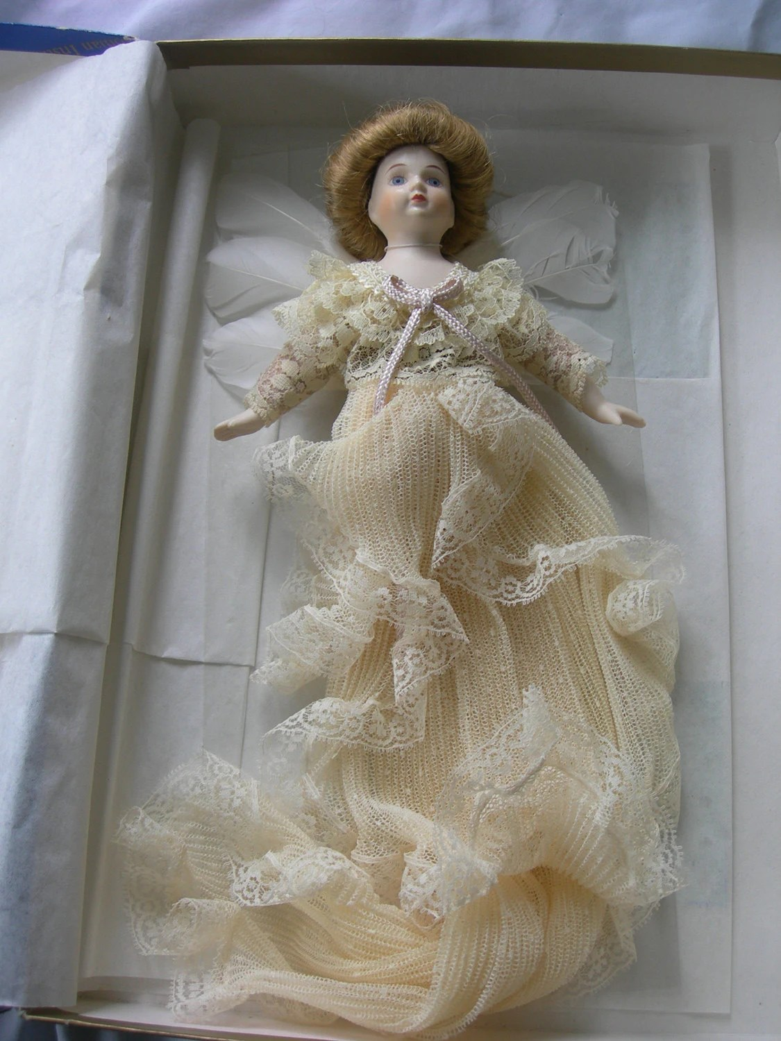 1983 Louis Nichole Angel Ornament From The Smithsonian Museum