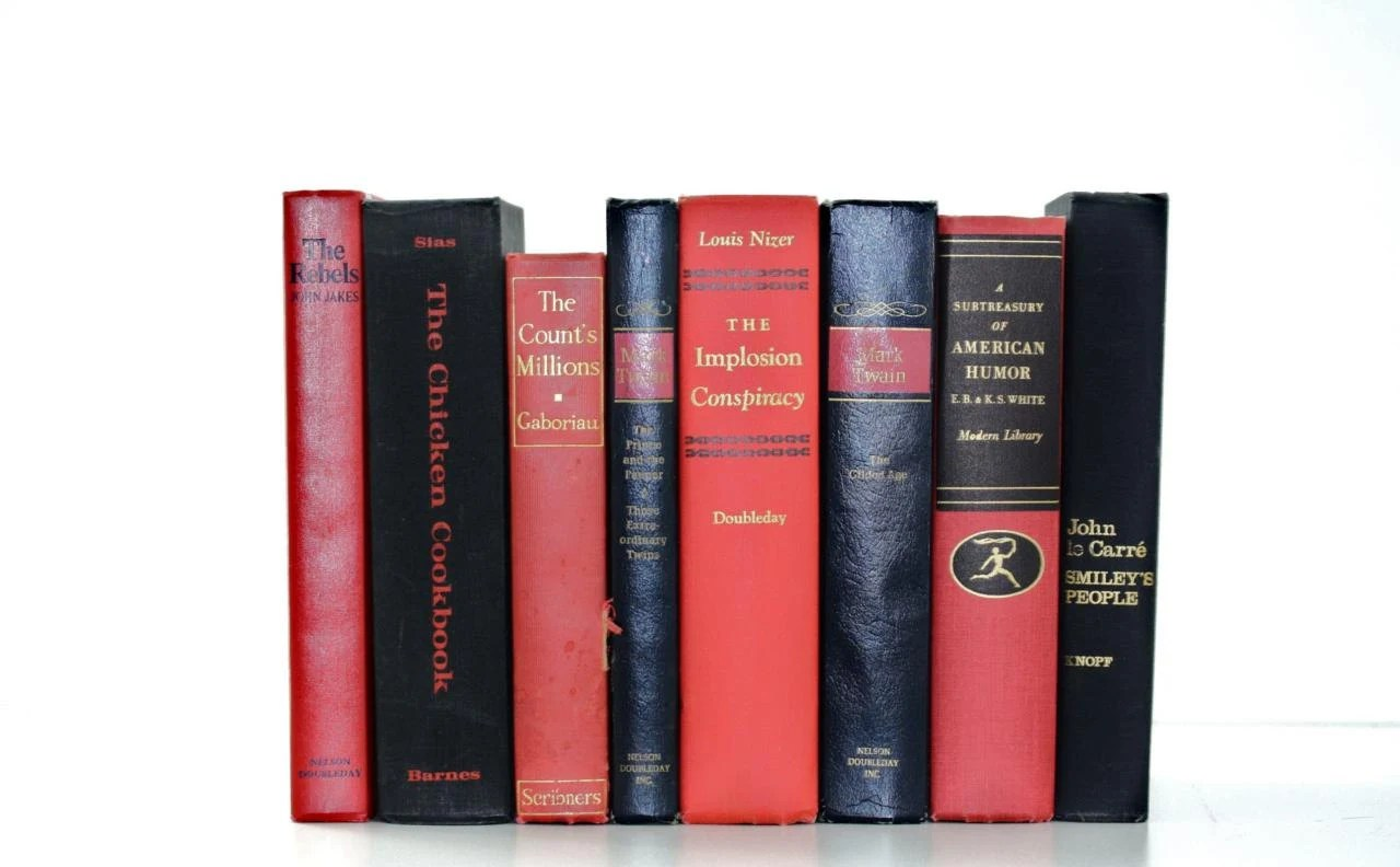 Vintage 8 Book Classic Collection Red Black Interior Design Vintage Book Decor - jaysworld