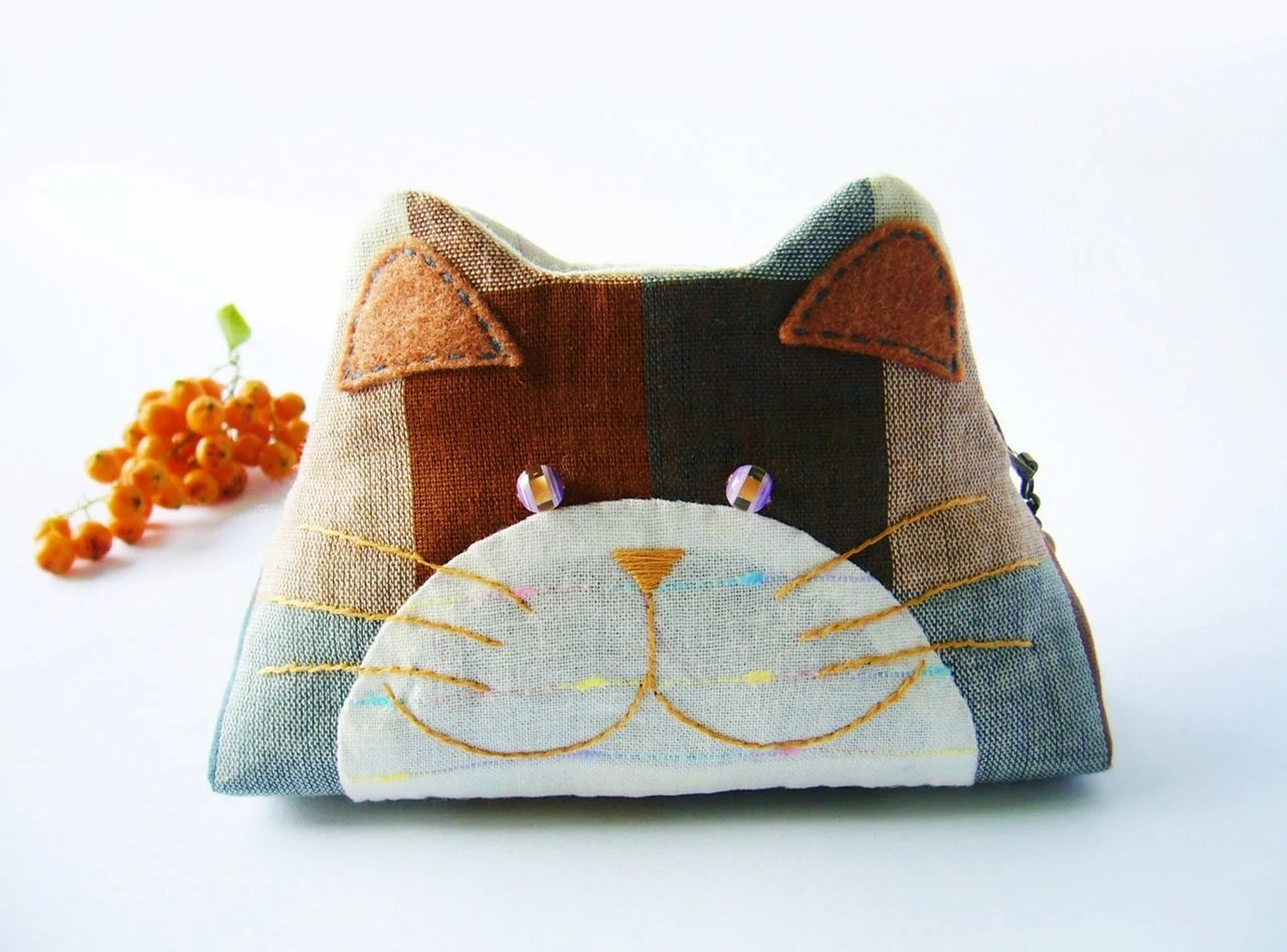 Cat purse / Cat zipper purse / Cat coin purse / Hand embroidery / Gift bag / Small bag zippered - DooDesign