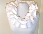 Fleece scarf with elastic ruffle winter white ivory - blissfulturtle