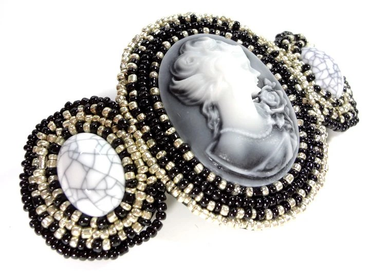 Black and Silver Cameo Beaded Barrette - MegansBeadedDesigns