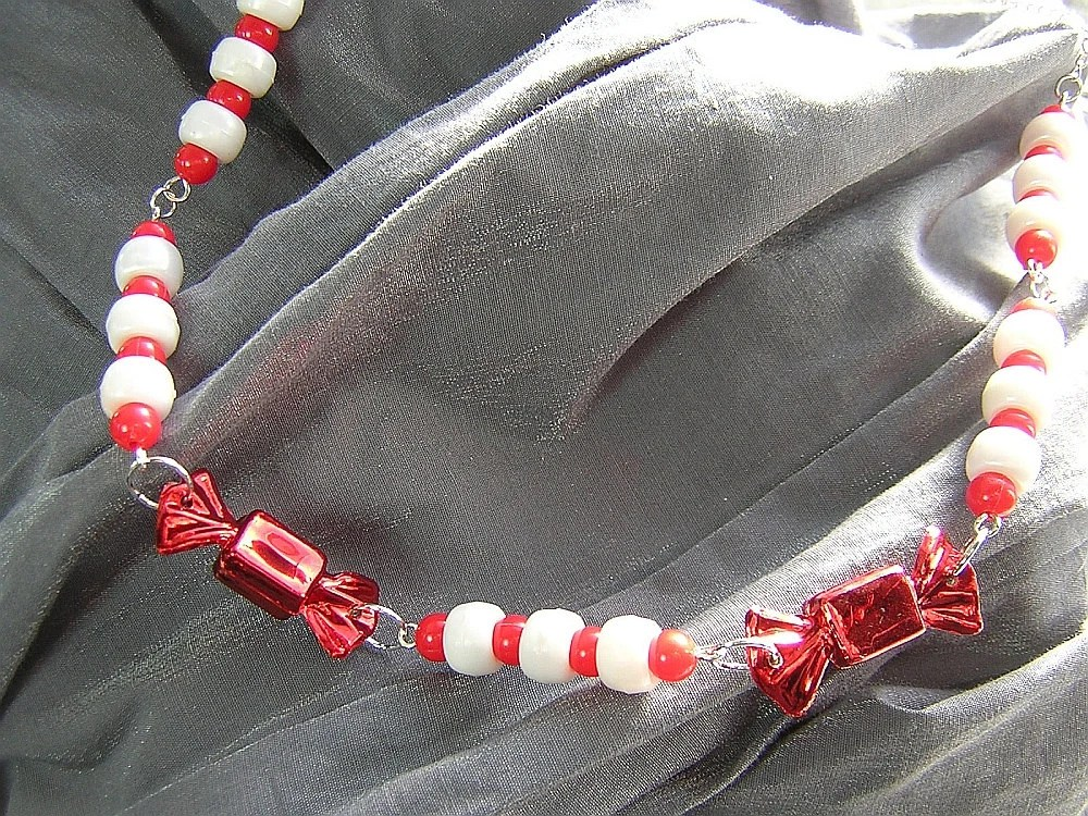 Red and White Christmas Candy Necklace - Handmade by Rewondered D225N-99260