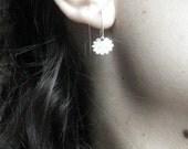 Tiny Sterling silver flower  hoop earrings - CyKLu