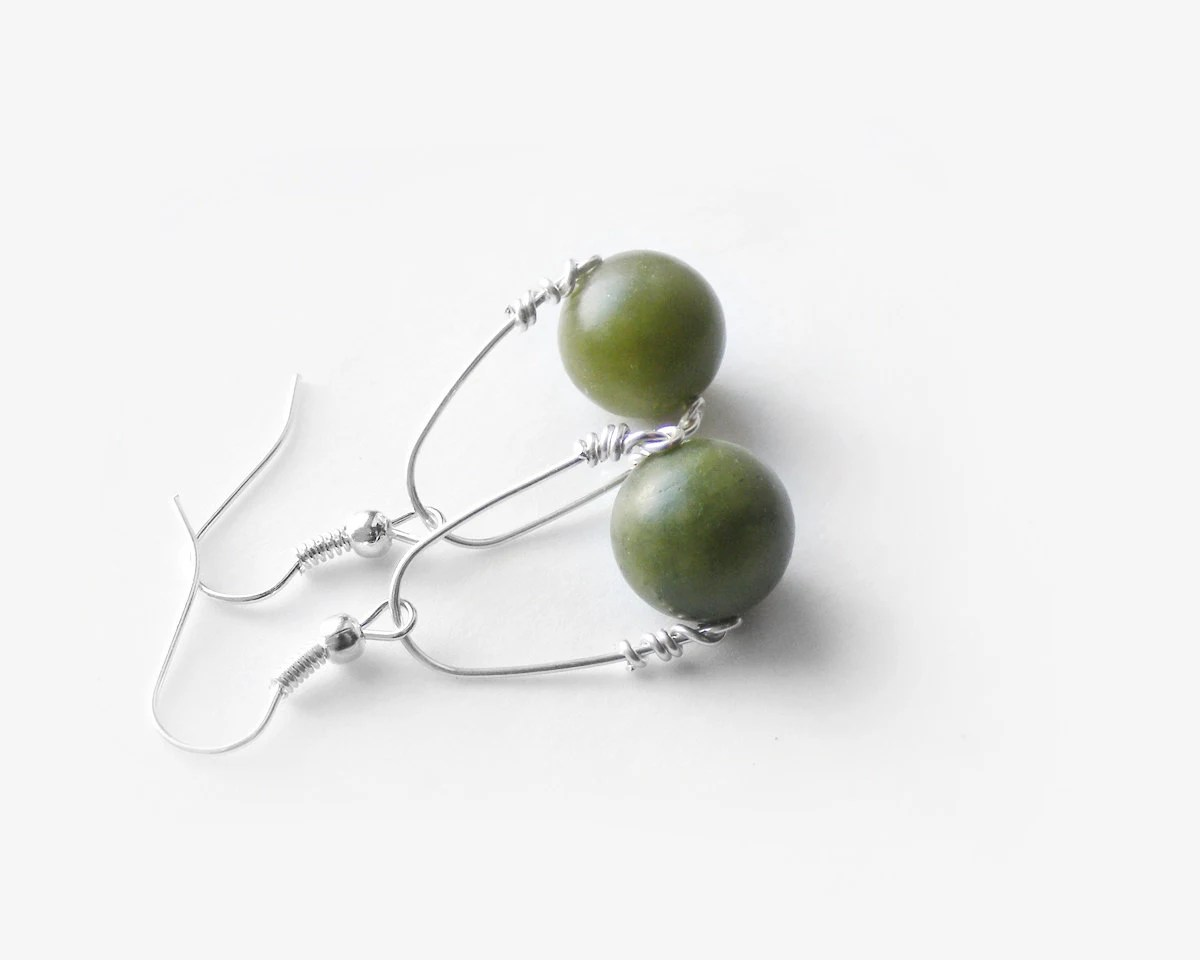 Green stone earrings, nephrite swing earrings, handmade jewelry, olive green earrings - kapelusznik