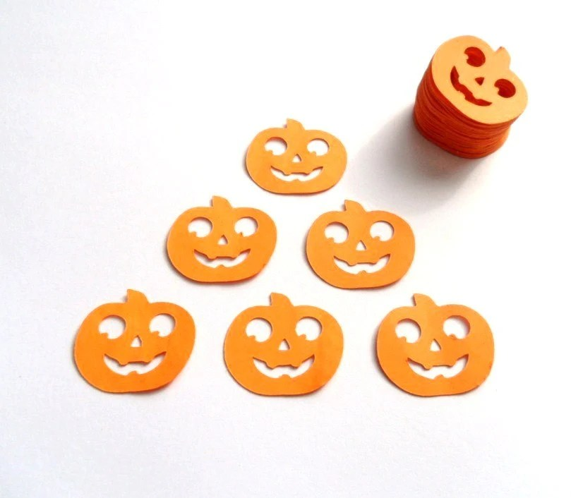 100 Orange Pumpkin Die Cuts. Spooky Jack O'Lantern Confetti Party Decoration Scrapbooking Card Making Embellishments. - ShoestringCottage