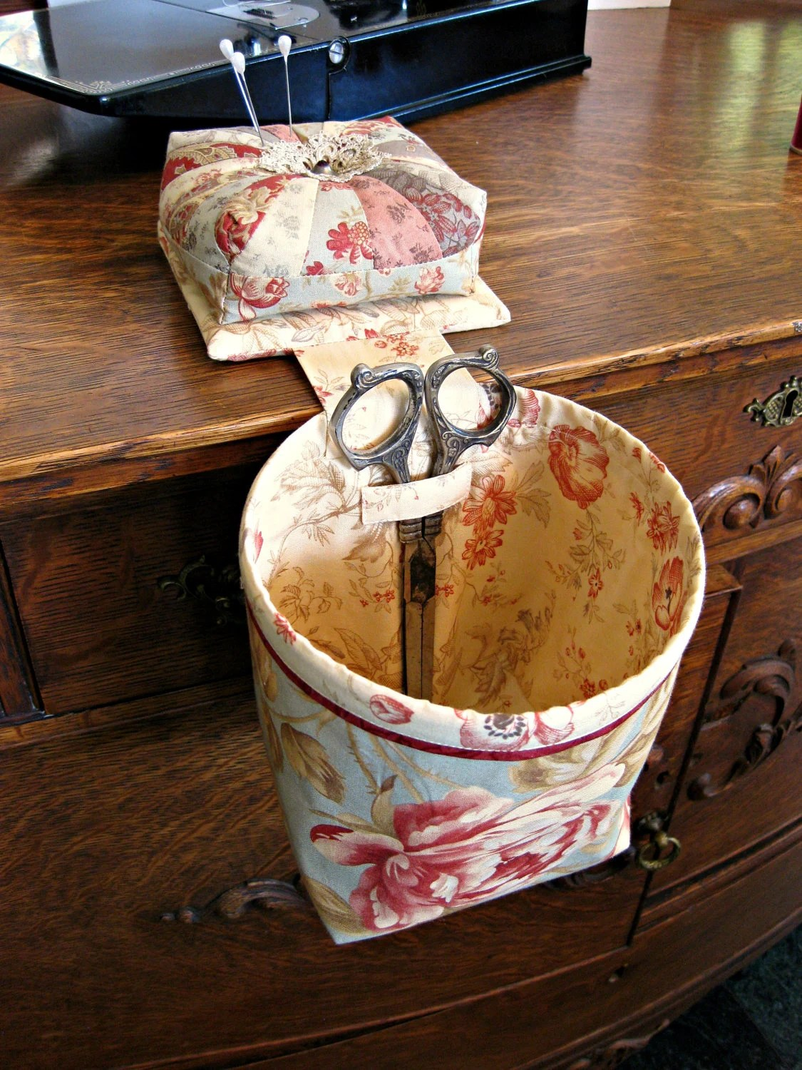 Sew In Style Thread Catcher Scrap Caddy With Detachable
