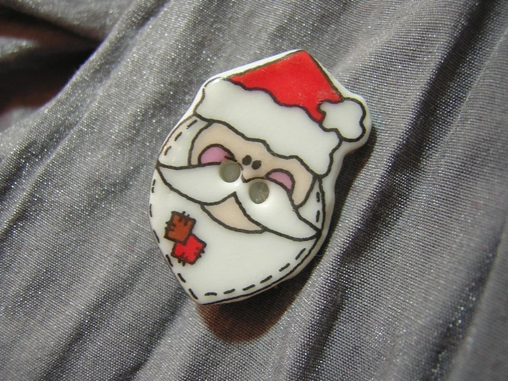 Santa Claus Face Pin - Handmade by Rewondered D225P-00010 - $5.95