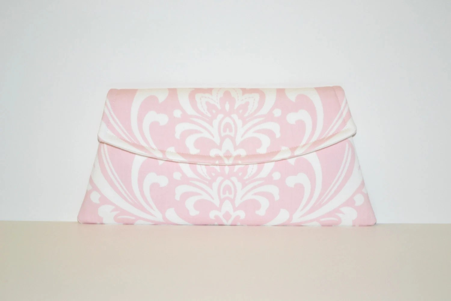 Pink and White Damask Clutch - Pink Clutch - Pink Damask Clutch - Soft Pink Clutch - MSGFabriCreations