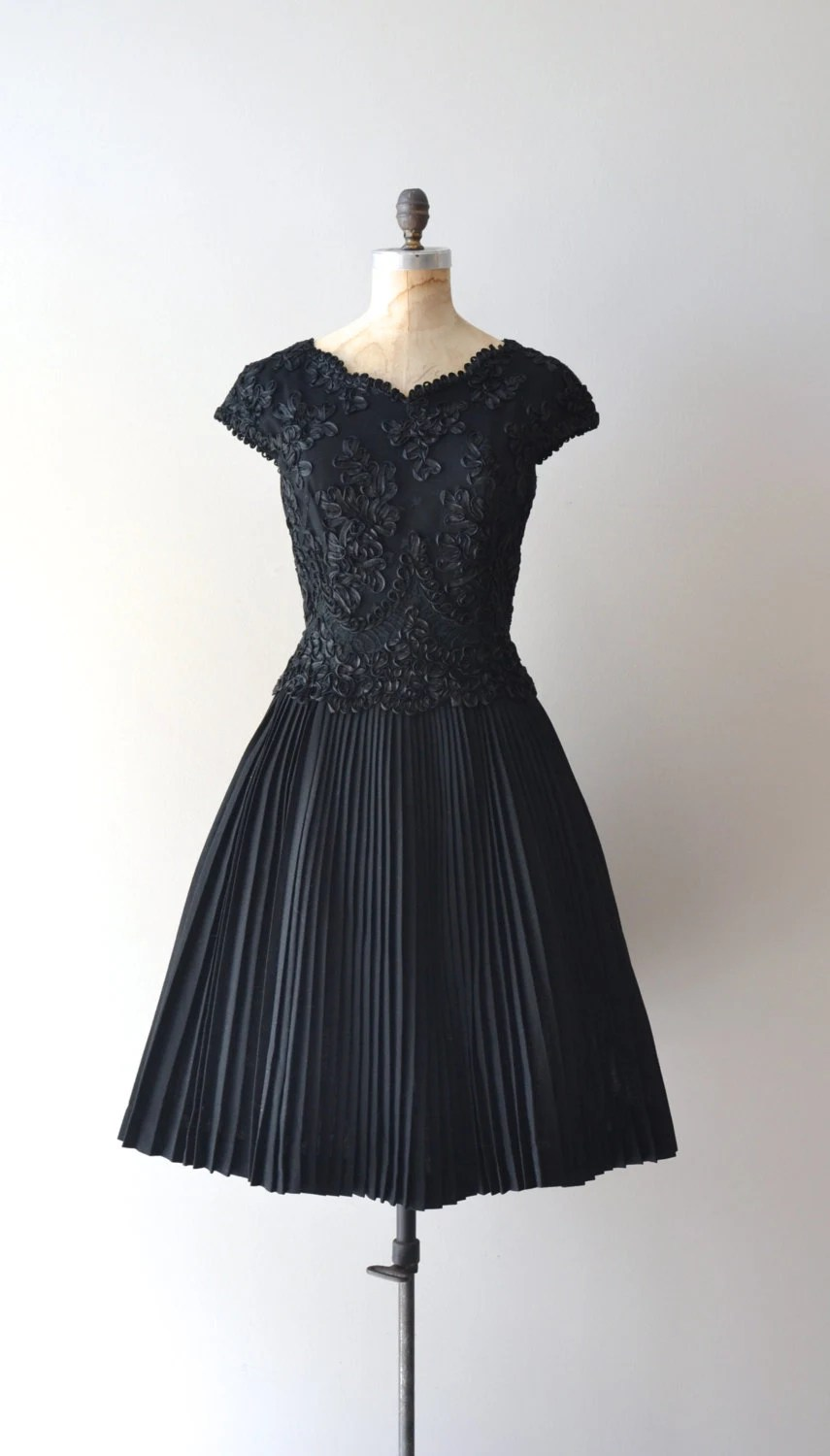 1950s dress / black lace 50s dress / Magic Moment dress