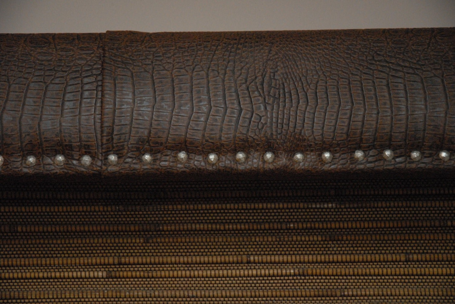Valance Crocodile With Studs 36 Other Sizes