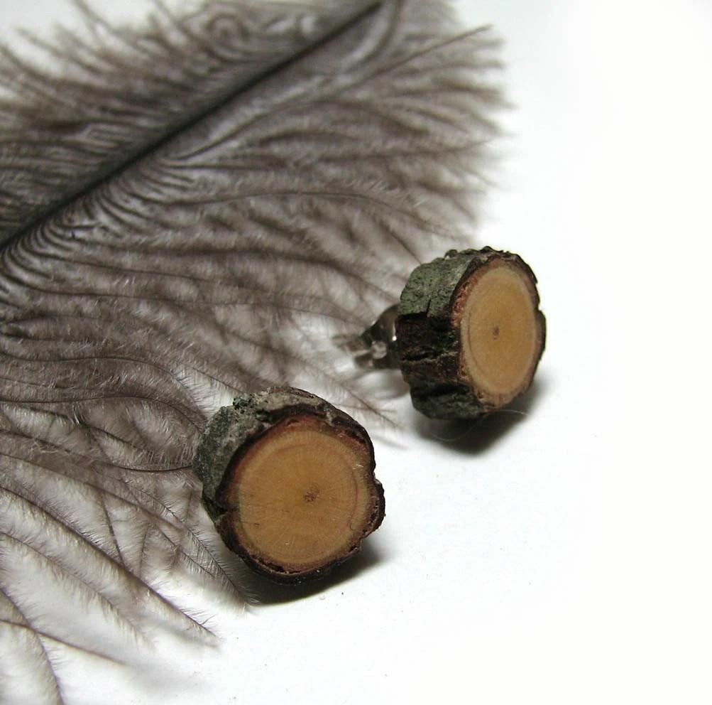 Drvene Mindjusice - Rustic  Dogwood Twig Wooden Stud Earrings by Tanja Sova - tanjasova