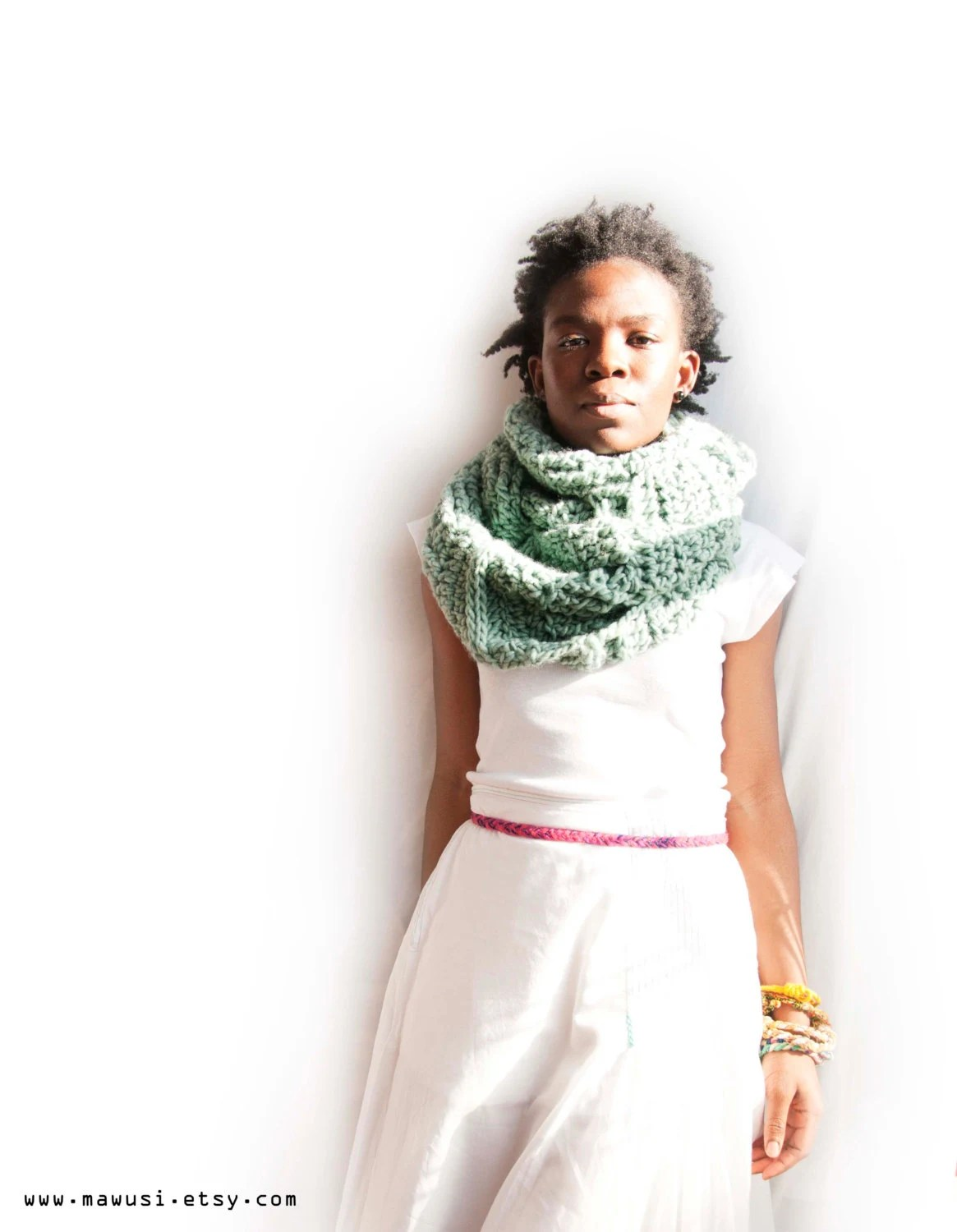 Tsapitsapi Hand Crochet Infinity Cicle Scarf in Teal -- Limited Edition - Mawusi