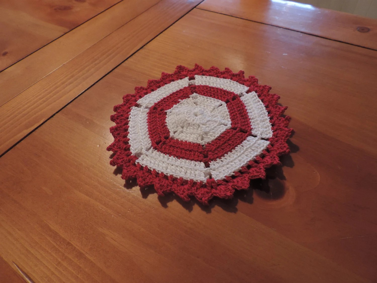 New Vintage Style Red and White Crocheted Hexagon Potholder