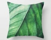 Pillow Cover, Leaf Pillow Green Leaf Nature Decor Accent Throw Woodland Hippie Interiors Kussen Groen Forest Green Cushion 16x16 18x18 20x20 - NatureCity