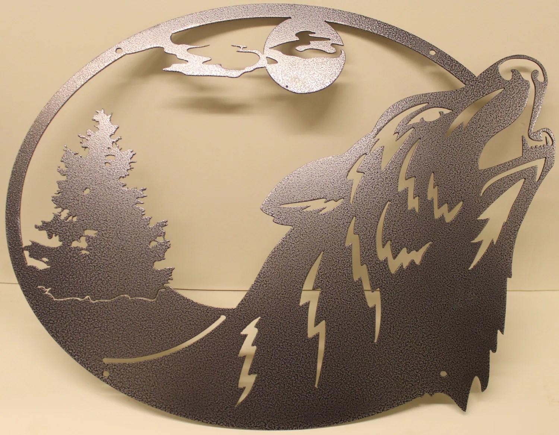Howling Wolf Oval Scene Metal Wall Art Home Decor