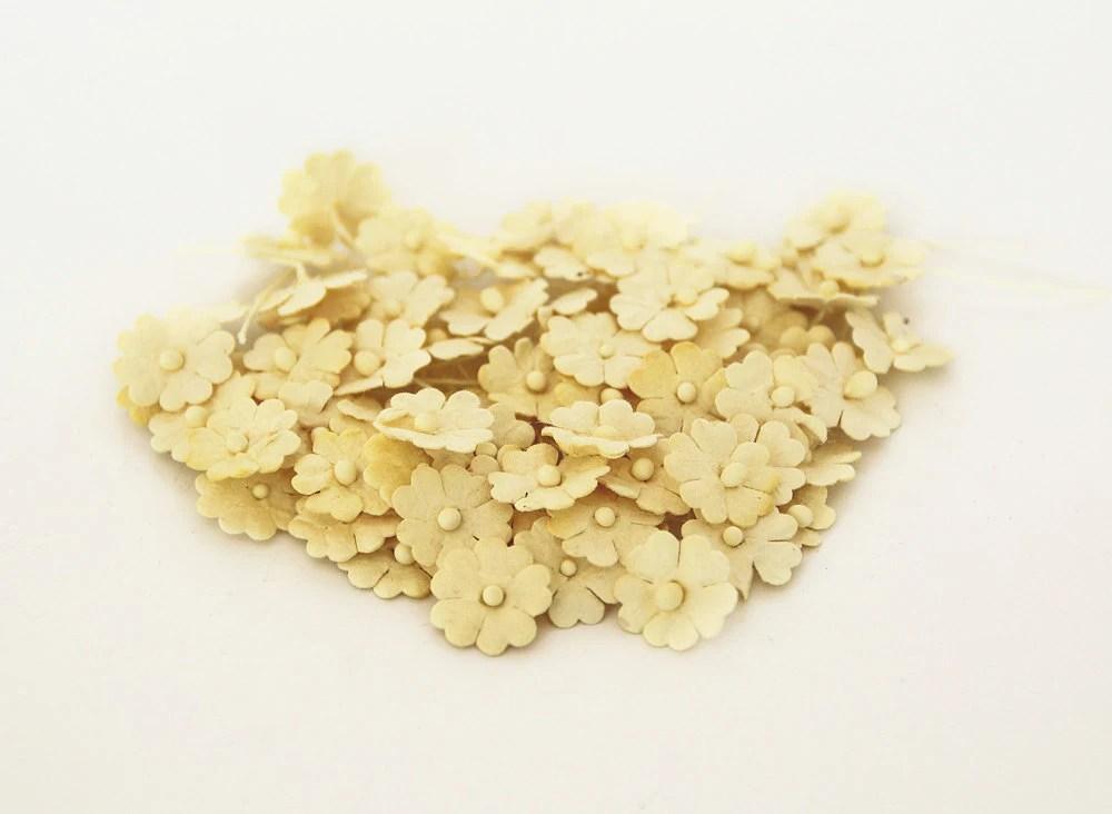 100 pcs - Light yellow  mulberry paper tiny daisy flowers - swettacraftsuplies