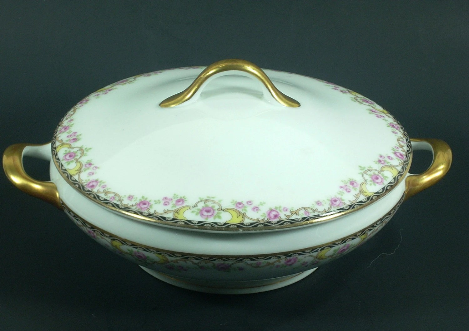 antique german china serving bowl with lid fraureuth haute juice. Black Bedroom Furniture Sets. Home Design Ideas
