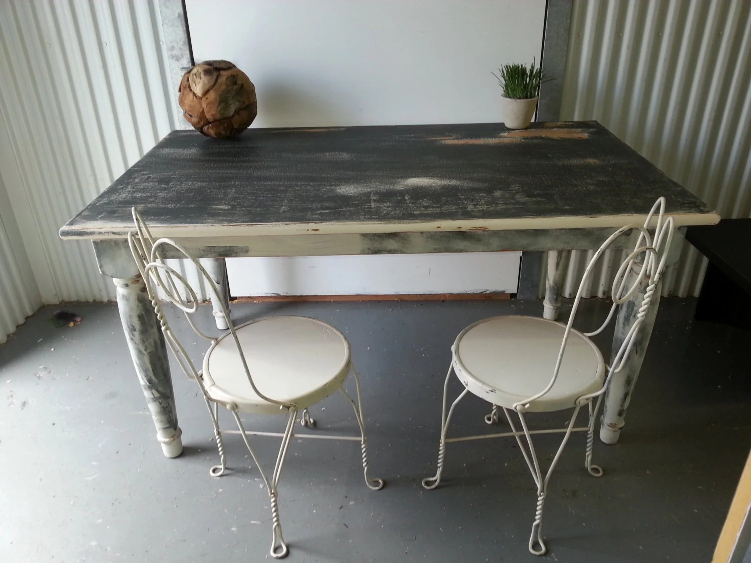 Vintage shabby chic black and white country dining table for Distressed white dining table