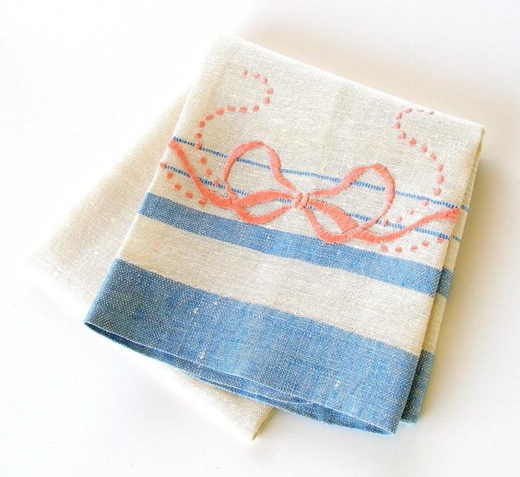 Vintage Kitchen Towel Hand Embroidered Dish Retrogroovie