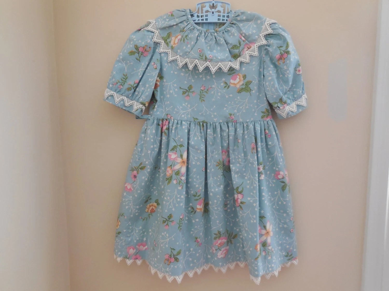 Size 5 Vintage Saks Fifth Avenue Lace Flower Dress Gown