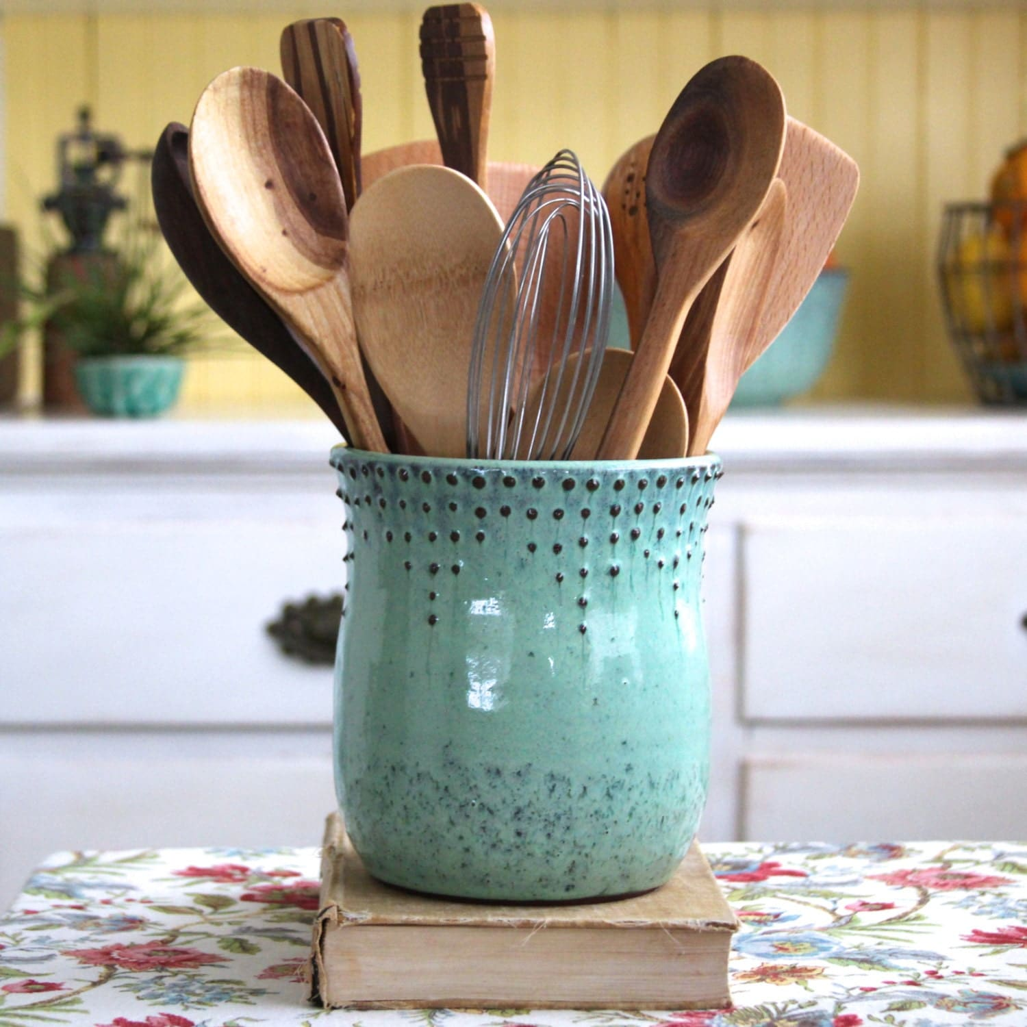 Modern Kitchen Utensil Holder