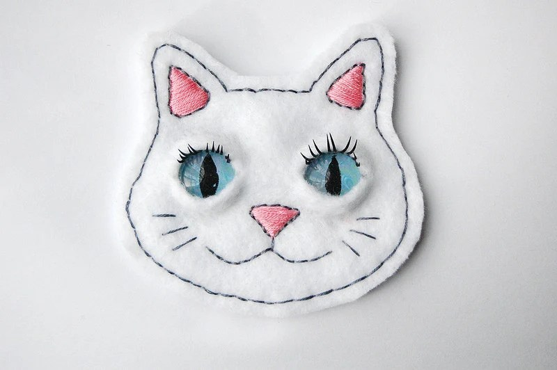 "Blue Eyed Cat Badge / Patch in White with 3D Eyelashes - 4"" x 4"" - SomeRabbits"