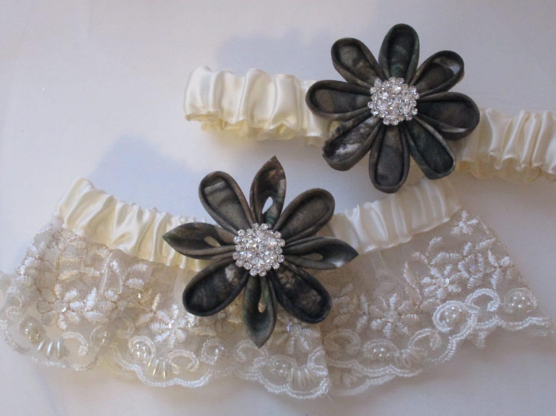 CAMO Wedding Garter Set Ivory Lace Bridal Garters Mossy Oak