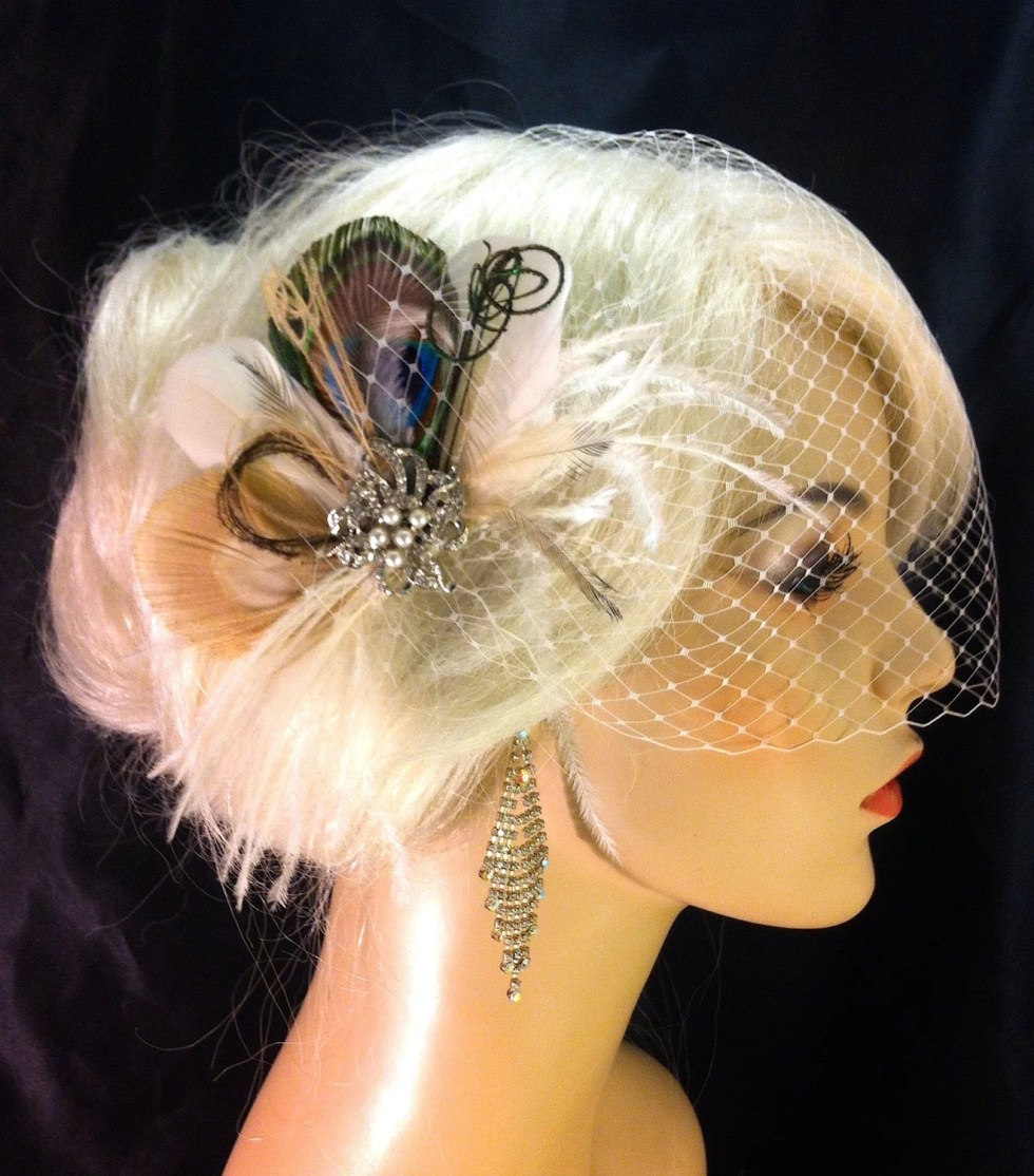 Bridal Feather Fascinator with Brooch, Bridal Fascinator, Feather Fascinator, Fascinator, Hair Clip, Bridal Veil, Ivory and Champagne