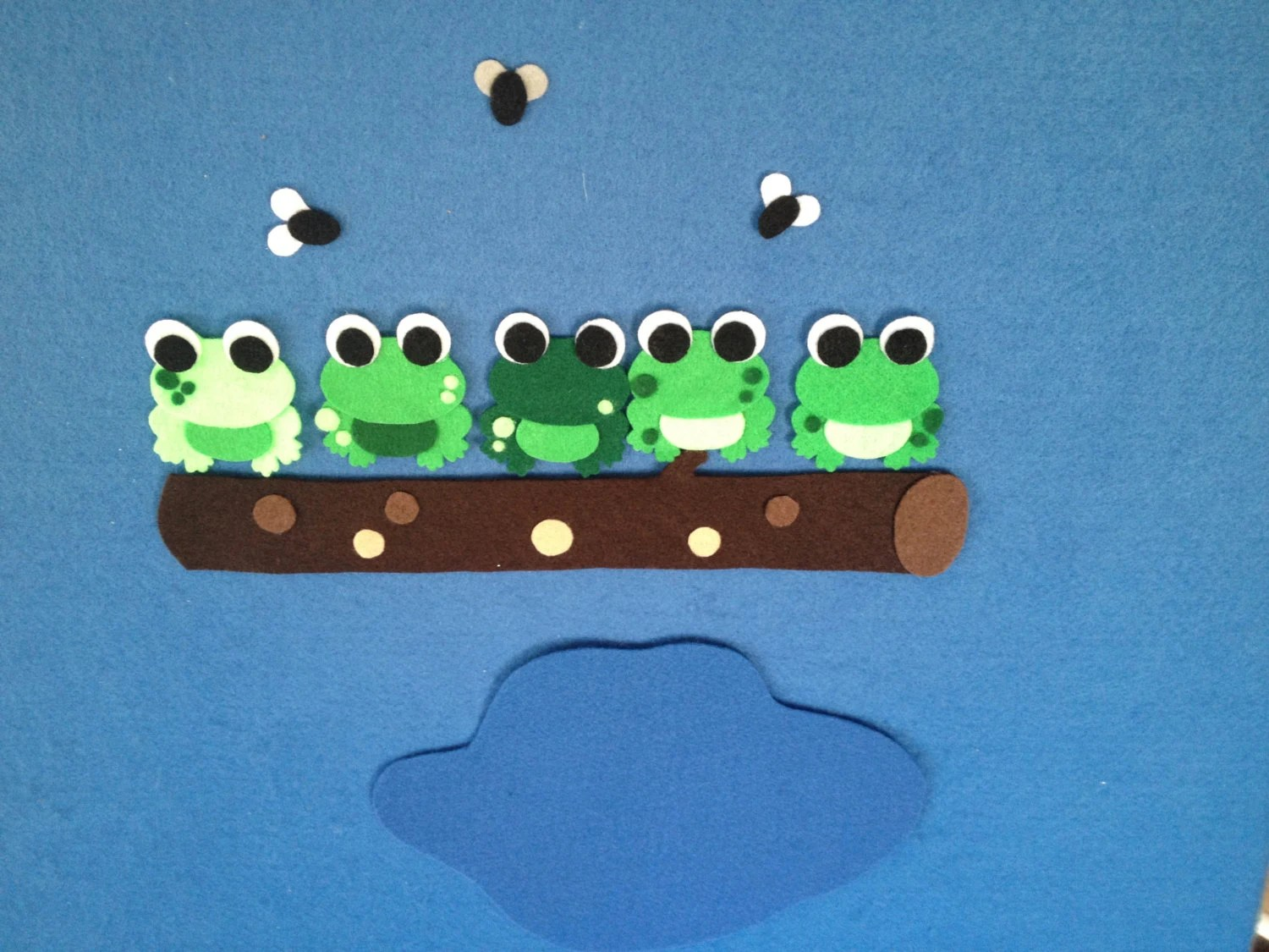 5 Green Amp Speckled Frogs Felt Board Set