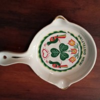 Vintage Irish Distelfink trinket holder, ashtray. Pennsylvania Dutch.