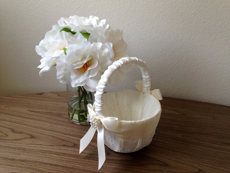 Elegant Wedding Flower Girl Basket