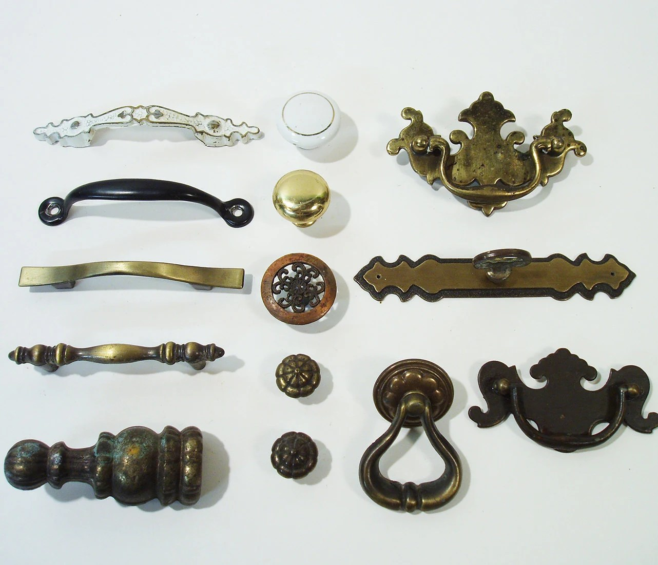 Mixed Lot Of Antique Hardware Art Nouveau Knobs Drawer
