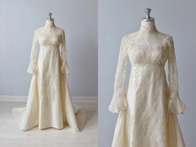 Lace Wedding Dress / 1960s Wedding Dress / Sheath Wedding
