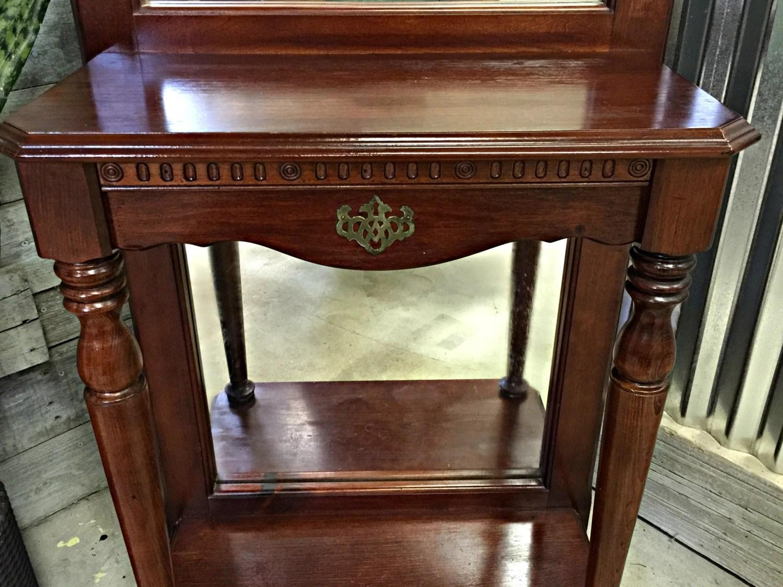 Pulaski Furniture Corporation Antique Hall Tree Coat Rack Hanger Hat Rack Vintage Furniture