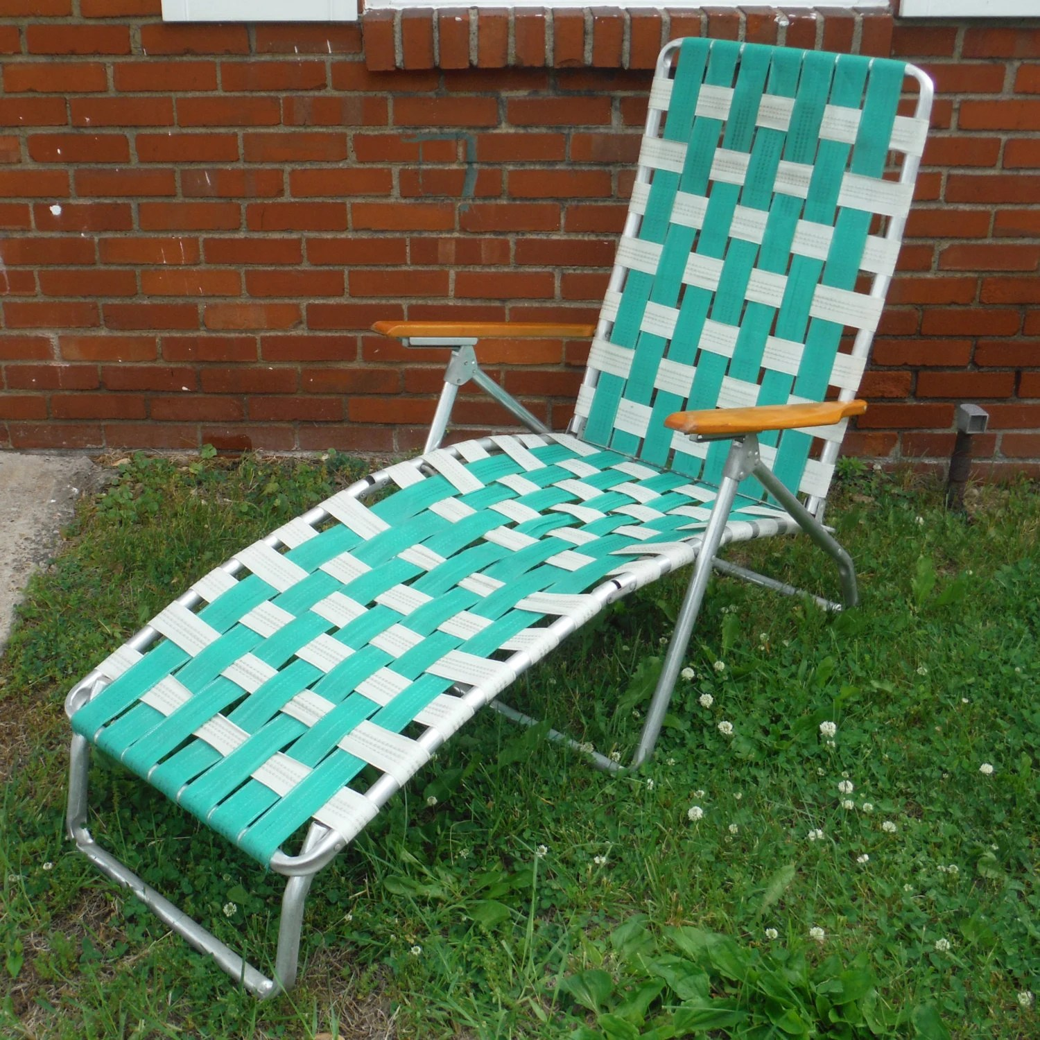 vintage webbed chaise lawn chair haute juice. Black Bedroom Furniture Sets. Home Design Ideas