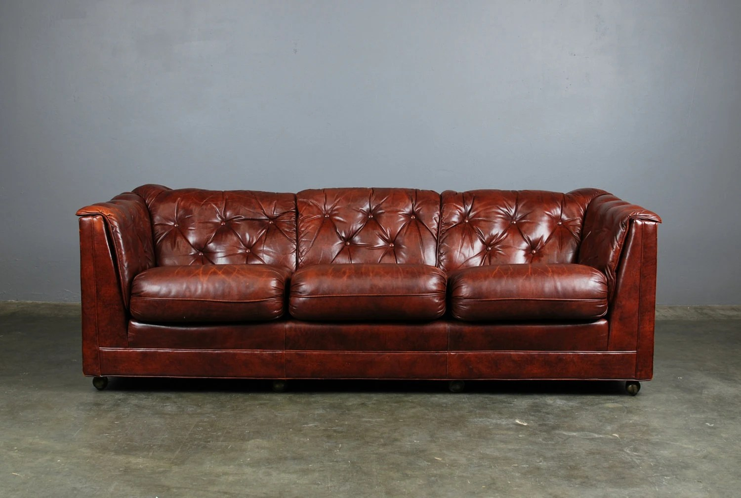 Classic Tufted Brown Leather Sofa Hancock And Moore