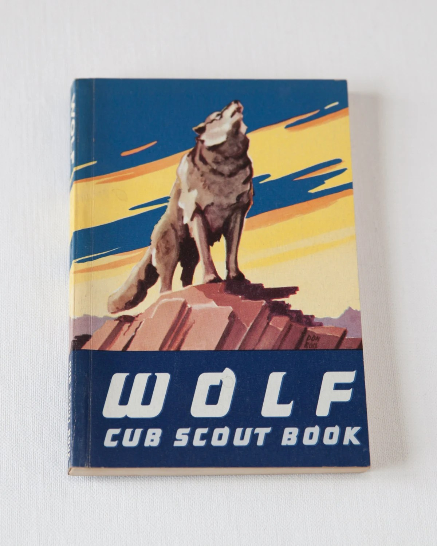 Vintage Wolf Cub Scout Book Excellent Condition