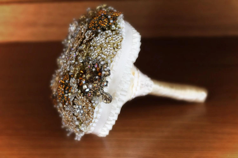 golden brooch bouquet, best weeding bouquet, gold brooch bouquet, best brooch bouquet, broach bouquets