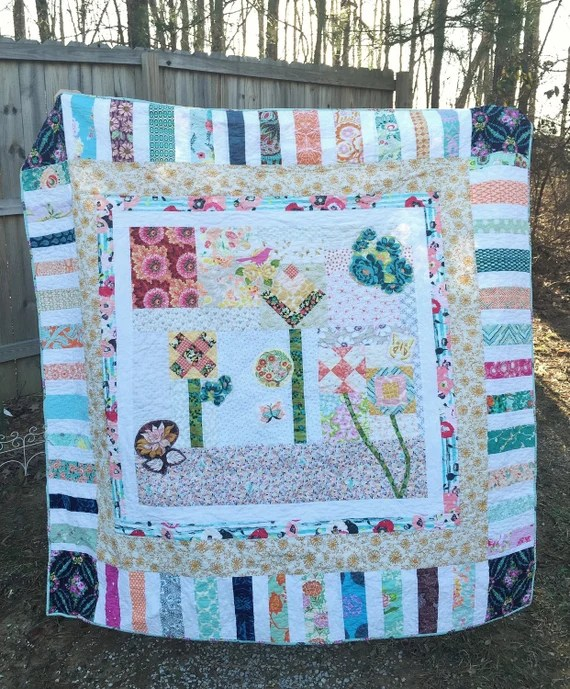 Mod Corsage Medallion Quilt, Throw Quilt, one if a kind spring quilt, cozy comfy modern quilt, READY TO SHIP