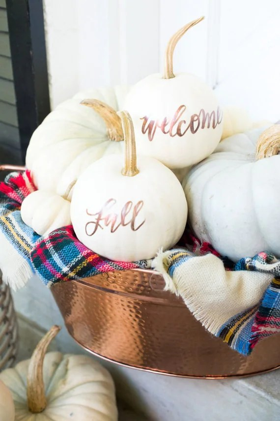 Thanksgiving decor ideas || Fall decorating ideas || Painted pumpkins || White and copper fall decor || Entryway decor ideas || Front hall ideas || Fall vignette