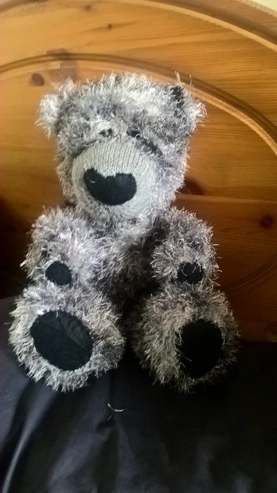 Hand knitted bear (Alfred)