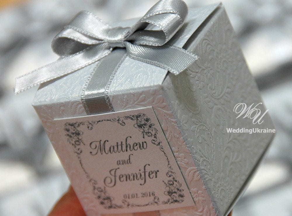 Wedding Bonbonniere Favor Box With Silver Bow White Candy