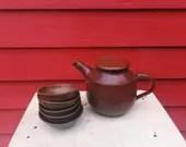 Dark Red Teapot & 5 Tea b...