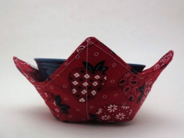 Strawberry Bandana Red Microwaveable Soup Bowl Cozy