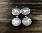 Breed specific dog tag �...