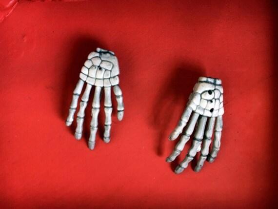 Skeleton Hand Hair Clip