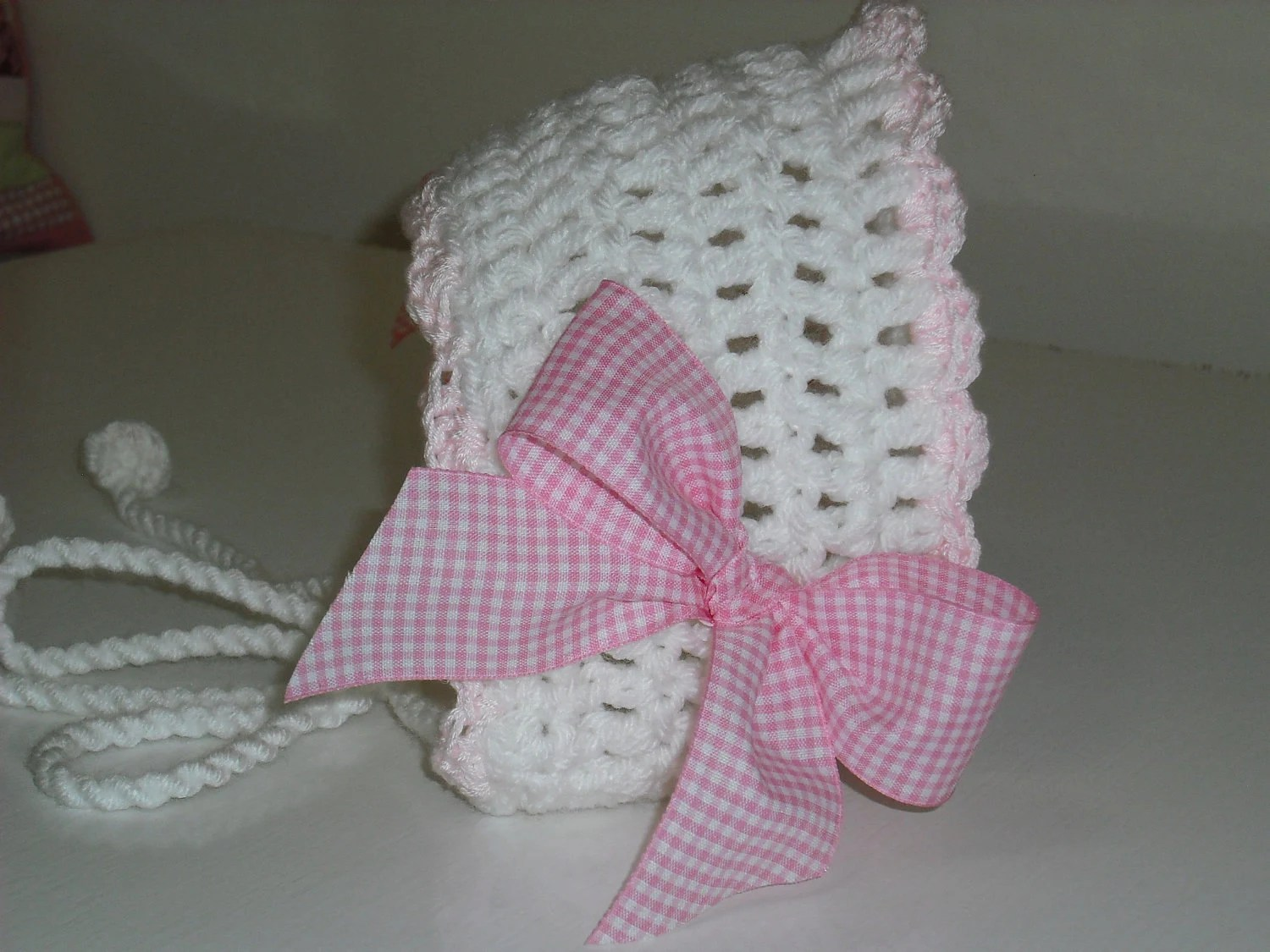 0-6M Baby Girl Crochet Hat White and Pink